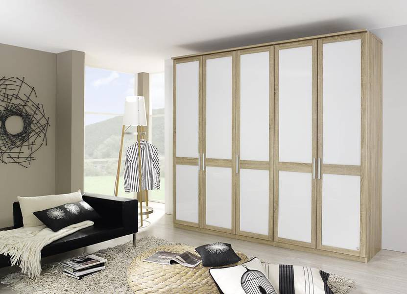 ... Made To Measure Option, Dimension 4 Fits Into Ever Room Concept.  Different Front Optics And A Wide Range Of Colours And Material Offer Large  Variations.