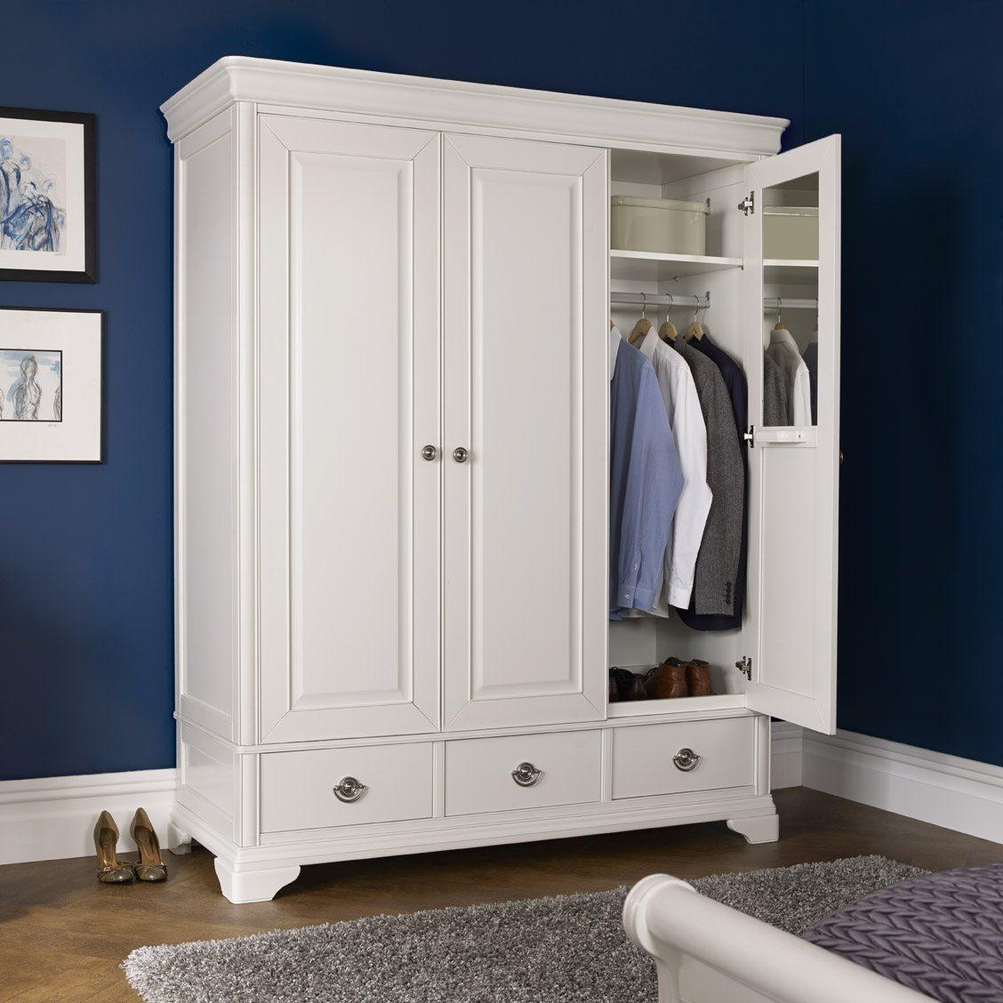 Chantilly White Triple Wardrobe Lifestyle